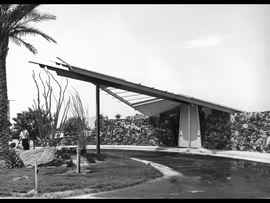 Kaptur-Star-3-Photograph-courtesy-of-Palm-Springs-Modern-Committee-mw